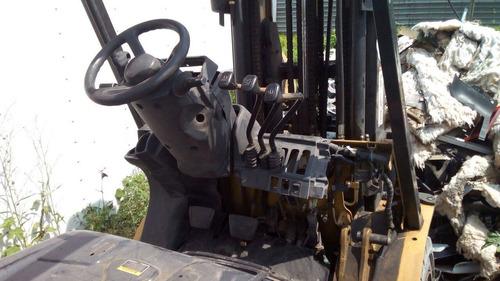 montacargas caterpillar 2008  de 4000 lb para reparar