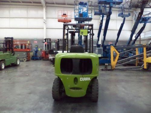 montacargas clark 8000 lb gasolina modelo cgp40