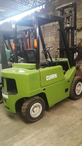 montacargas clark modelo 1999 para 2 y media toneladas