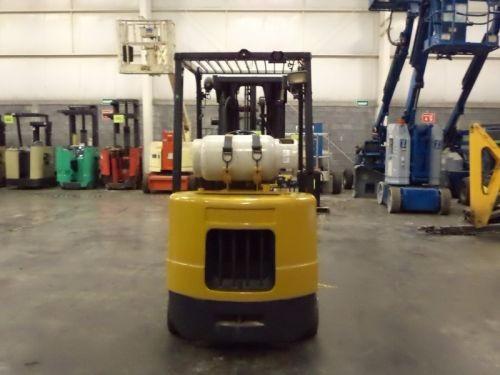montacargas daewoo gas lp 5000 lbs modelo gc25s-3