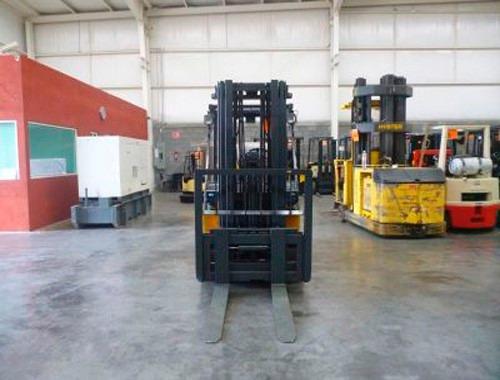 montacargas komatsu 2003 gas lp 8000 lb modelo fg35st-6