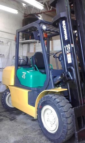montacargas komatsu 2009, 9000 lbs,