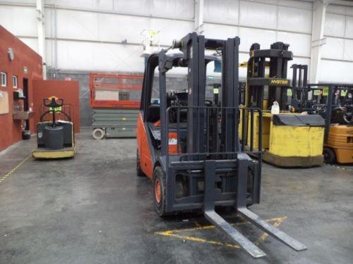 montacargas linde 2009 diesel 7000 lb modelo h35d