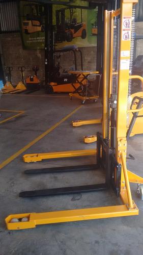 montacargas manual de 1,000 kg.