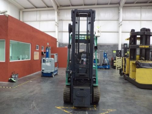 montacargas mitsubishi 2000 electrico 6000 lb (733)