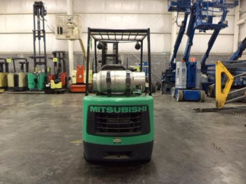 montacargas mitsubishi 2000 gas lp 4000 lb modelo fgc20