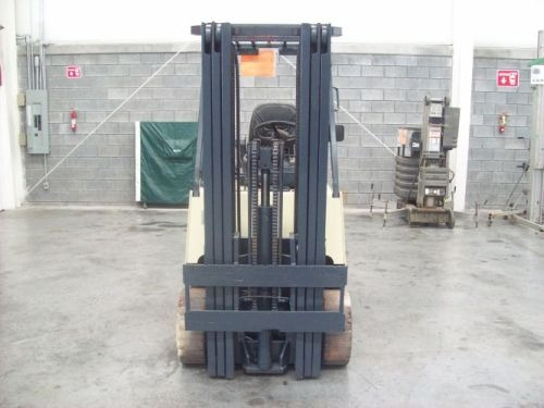 montacargas nissan 2005 electrico 5000 lb modelo cwp02l25s