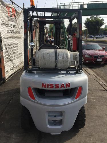 montacargas nissan 2011 de 5,000 lbs con movimiento lateral