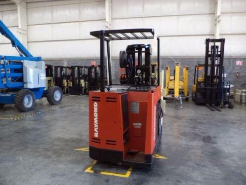 montacargas raymond 2000 electrico 4000 lb modelo 640-c40tt