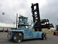 montacargas taylor  para contenedores llenos  5 de altura