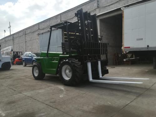 montacargas todo terreno 6,000 lbs.