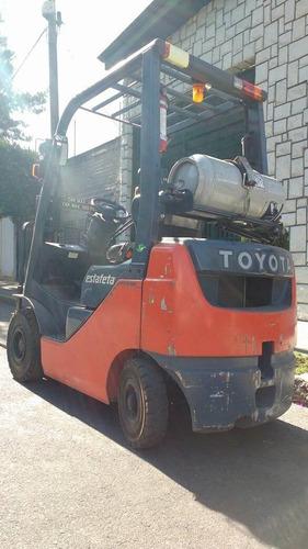 montacargas toyota 2012 1,800kg