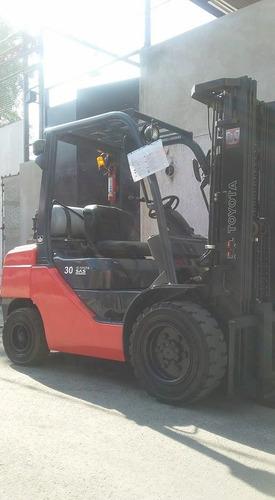 montacargas toyota 3 toneladas 2012