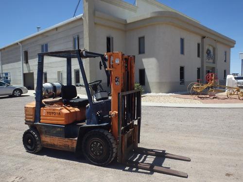 montacargas toyota 4000 lbs. 10 ft. folio 10180
