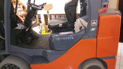 montacargas toyota 6,500 lbs mastil triple llantas solidas
