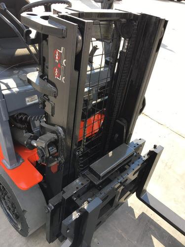 montacargas toyota 7fgcu20 mod 2011 para 1.8 ton de gas lp