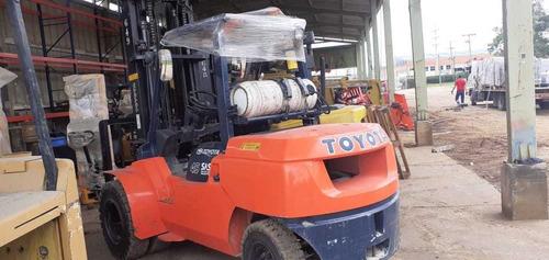 montacargas toyota de 4.5 ton