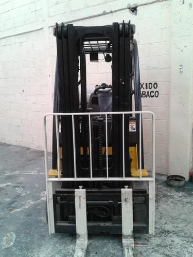 montacargas yale 3 toneladas triplex con desplazador  a gas