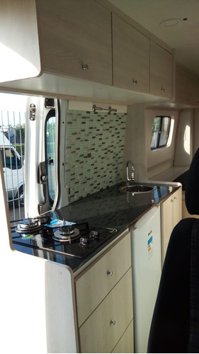 montagem de motorhome / motorcasa / trailer / food truck