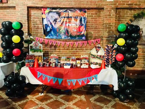 montaje de mesa de dulces para todo tipo de eventos