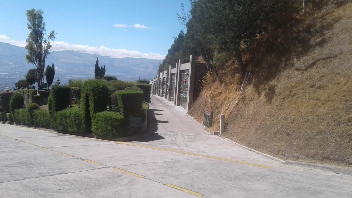 monte olivo camposanto av simon bolibar 1 nicho + servicios