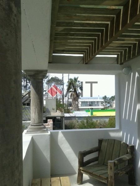 montoya a pasos de la playa!!-ref:6152