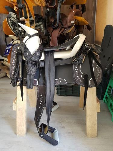 montura para caballo  o silla charra redonda cr
