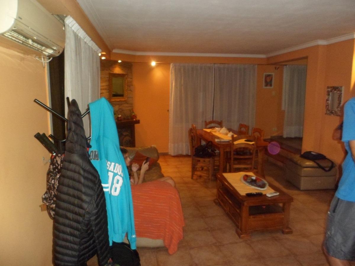 morón central - hermoso chalet en esquina de 3 dormitorios -