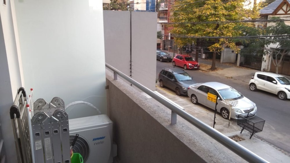 moron - departamento 2 ambientes con cochera cubierta