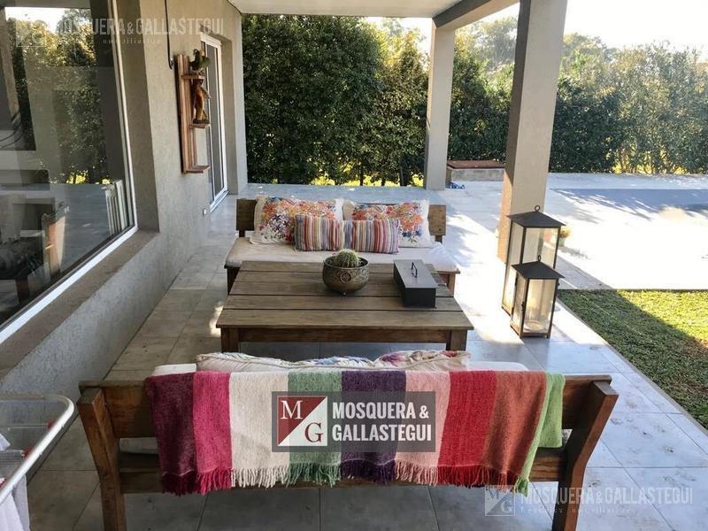 mosquera y gallastegui - venta casa de dos plantas en santa guadalupe