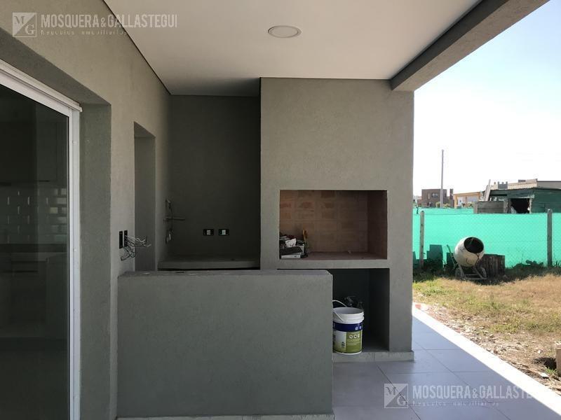 mosquera y gallastegui - venta casa en san eduardo una planta tres dormitorios
