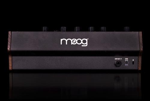 mother 32 moog sintetizador análogo semi modular eurorack cv