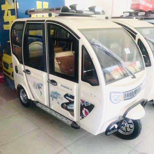 moto 100% eléctrica 3 ruedas 5 puertas