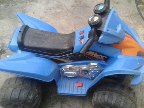 moto 4 ruedas a bateria grande