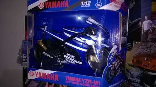 moto a escala 1:12 serie mundial  gp yamaha #1 jorge lorenzo