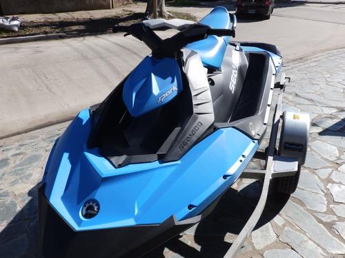 moto agua nautica