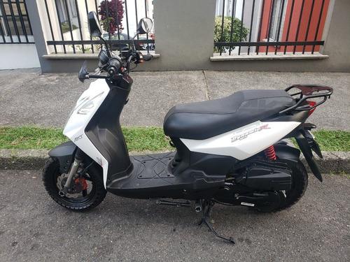 moto akt dynamic r 125 / 2017