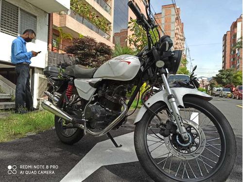 moto akt modelo 2015 negociable