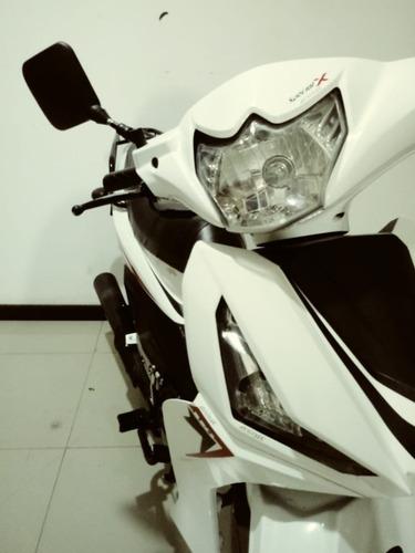 moto akt special x blanca
