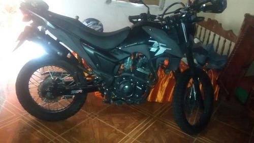 moto akt ttr 180 color negro