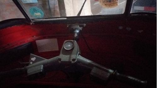 moto bajaj año 2011.esta para bajada d motor. moto 4tiempos