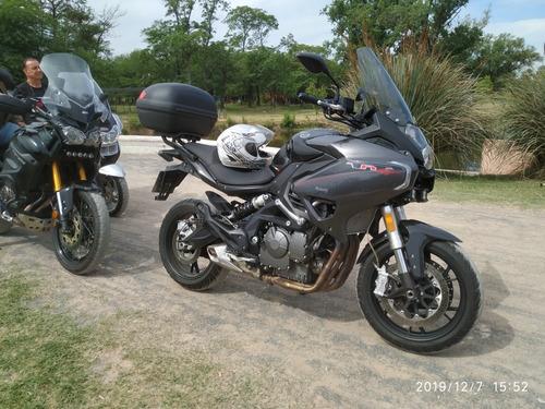 moto benelli 600