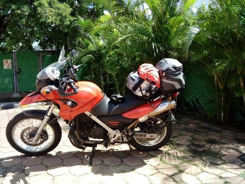 moto bmw 650c muy bonita