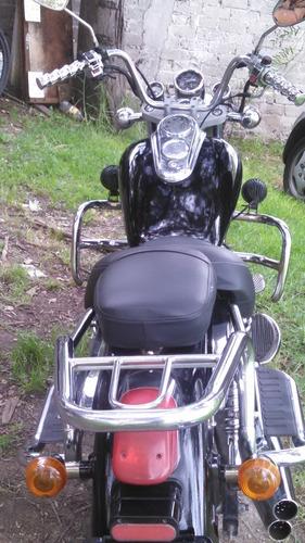 moto chopper lifan 150 negra