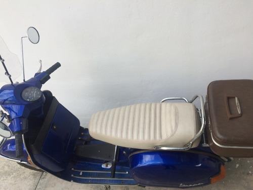 moto colección vespa