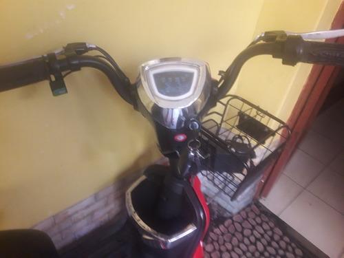 moto con bacteria recargable    marca pailesi