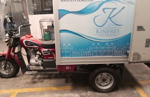 moto con caja seca