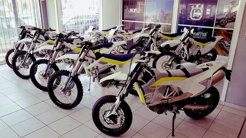 moto cross husqvarna