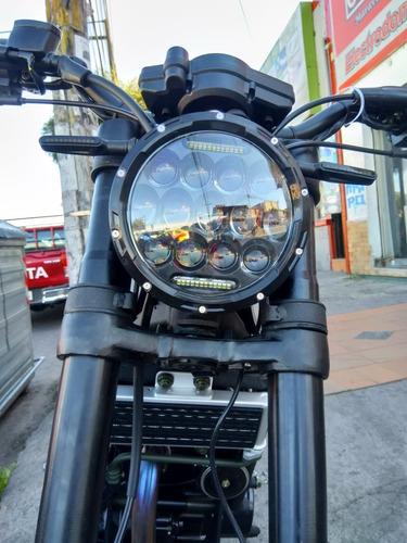 moto daytona scrambler 250cc año 2019 color plateado
