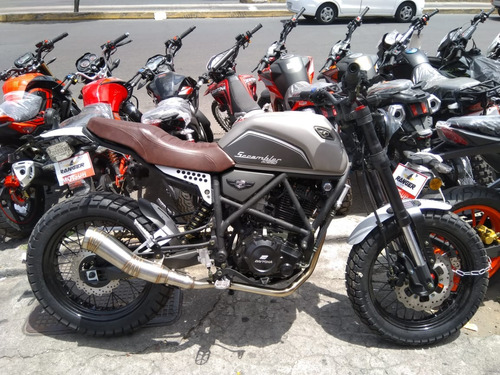 moto daytona scrambler 250cc año 2020 color plateado
